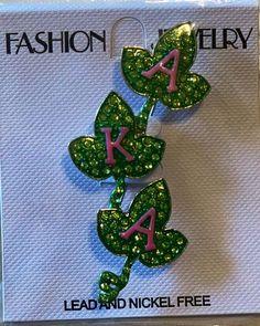 Beautiful leaf brooch for the ladies of Alpha Kappa Alpha Sorority Inc. Aka Sorority, Alpha Kappa Alpha Sorority, Sorority And Fraternity, Aka Apparel, Alpha Kappa Alpha Paraphernalia, Disney Couture, Ivy Leaf, Triangle Earrings, Steampunk Diy