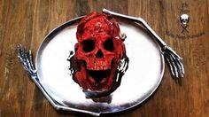 Se tomó la frase Muerte por chocolate de manera literal y creó un espeluznante pastel