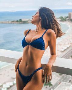 Busty fit yoga body woman in bikini swimwear. Sexy Bikini, The Bikini, Mädchen In Bikinis, Bikini Swimwear, Swimsuits, Bikini Beach, Bandeau Bikini, String Bikinis, Bikini Bleu