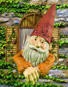 gnomb gardens | Gnome at Work