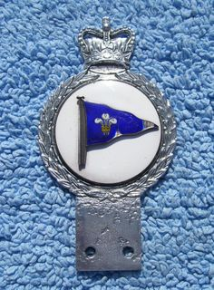 VINTAGE 1960s ROYAL CORNWALL YACHT CLUB CAR BADGE -OLD FLEUR DE LYS SAILING FLAG