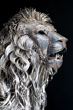 A Lion Made from 4,000 Pieces of Hammered Metal by Selçuk Yılmaz http://www.thisiscolossal.com/2014/01/a-lion-made-from-4000-pieces-of-hammered-metal-by-selcuk-yilmaz/