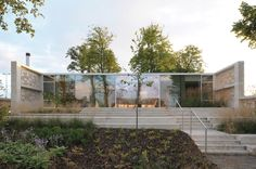 Centro Maggie de Lanarkshire / Reiach and Hall Architect