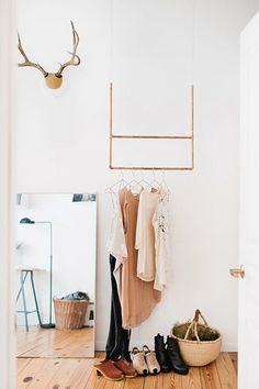 I want a minimalist basic wardrobe.