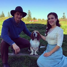 When Calls the Heart - Season 3 (behind the scenes)--- Aww look at these cuties. <3 They've started filming again! Elizabeth looks lovely.