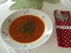 Cuketová polievka (fotorecept) Thai Red Curry, A Table, Soup, Ethnic Recipes, Party, Crafts, Manualidades, Soups, Handmade Crafts
