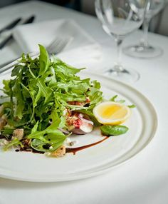 fresh new season figs, crumbled fetta, fried bread, rocket, basil, vincotto... What's not to love?