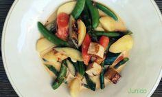 Exotisches Spargel Curry von Vegan sein  http://www.veganblog.de/2012/05/10/rezept-exotisches-spargel-curry/