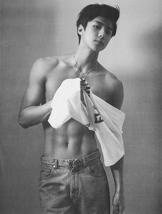 Sehun Exo black and white Sehun Hot, Chanyeol Baekhyun, Asian Boys, Asian Men, Jinjin Astro, Z Cam, Kim Jongin, Kpop Exo, Exo Members