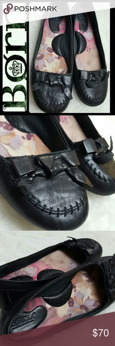 Born Leather Flats Born B.O.C Signature Shoes in Classic Elegance of Black Leather! Your Next Everyday Flats! Features Lovely Bow Detail on Vamp! Patent Pending Handcrafted Footwear! Cushioned Footbed for Added Comfort, Size 6 1/2, Excellent Used Condition! Born Shoes Flats & Loafers