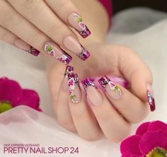 #pink   #nails   #nailart   #glitter   Pink geht immer, dachte sich auch unsere Kollegin Janne. Mit dem Farbgel fuchsia glam (Art.-Nr.: 6235), dem Jolifin Illusion Glitter IV confetti silver (Art.-Nr.: 6440), den One-Stroke Tattoos Nr. 5 (Art.-Nr.: 6185) und ein paar irisierenden, brillanten Strasssteinen (Art.-Nr.: 6442) zauberte sie sich dieses tolle Design. Gefällt es Euch? Eure Juliane