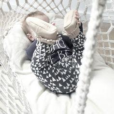 Mockies Babyshoes Fringe Boots Beige www. Hanging Bassinet, Baby Bassinet, Baby Swings, Fringe Boots, Baby Boots, Baby Online, Beige, Boho, Unique
