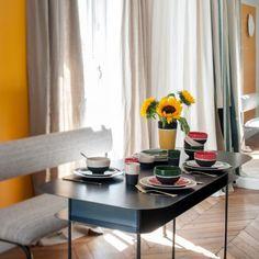 Des fleurs jaunes pour illuminer la salle à manger