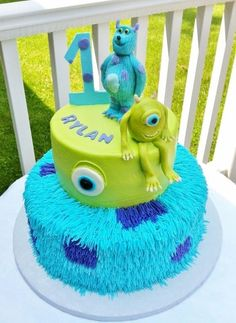 Tiered Monsters Inc. Cake with Fondant Monster Toppers, monster birthday cake idea Monster Inc Party, Monster Inc Cakes, Monster Inc Birthday, Monster University Birthday, Cookie Monster, Cakes Originales, Yeux Halloween, Disney Cakes, Cake Decorating Tips