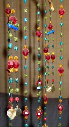 Billedresultat for how to make a baby mobile Bead Crafts, Arts And Crafts, Diy Crafts, Deco Boheme, Beaded Curtains, Sun Catcher, Dream Catchers, Bohemian Decor, Crystal Beads