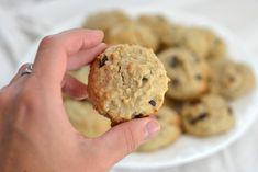 Biscuits avoine chocolat | Caroline Cloutier Nutritionniste Nutrition, Cookies Et Biscuits, Let Them Eat Cake, Four, Muffins, Deserts, Scrap, Homemade Cookies, Bon Appetit