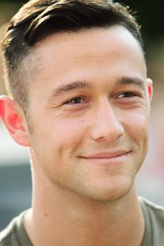 Joseph Gordon-Levitt- those dimples!!! Ugh