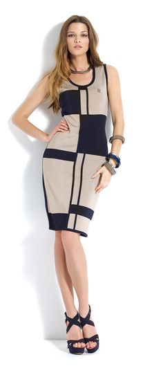 Vestido de largo por la rodilla a cuadros azul marino y beige #dress #trend #summer #blue #beige
