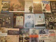 Itsenäisyyspäivänä mainostettiin sotaan liittyviä kirjoja.