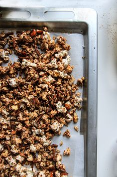 A delicious fall twist on your regular Granola perfect for October! Fresh Apples, Granola, Good Carbs, Love Eat, Apple Butter, Tray Bakes, Vegan Gluten Free, Fall Recipes, Muesli
