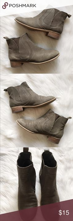 Nine West Ankle Bootie Pull on ankle bootie, flat square heel, leather upper with man made lining, super comfortable. Nine West Shoes Ankle Boots & Booties
