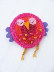 Delfia: Lisää pöllöjä Crochet Earrings, Crochet Hats, Christmas Ornaments, Holiday Decor, Handarbeit, Knitting Hats, Christmas Jewelry, Christmas Baubles, Christmas Decorations
