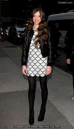 Celebrities outside The Ed Sullivan Theater for 'The Late Show with David Letterman' on - 13.12.10 Hailee Steinfeld photo