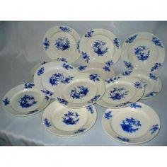 Serie De 12 Assiettes En Porcelaine Tendre De Tournai Decor Aux Bouquets XVIIIe XIXe