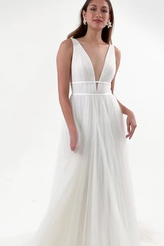 The Annalise gown give you a feel as sultry as a Grecian goddess in this plunging V neck with her open back and her flowy and fully pleated tulle skirt. Light Blue Wedding Dress, Slip Wedding Dress, Wedding Dress With Veil, Blue Wedding Dresses, Bridal Dresses, Wedding Reception Guest Outfits, Wedding Attire, Indian Formal Dresses, Silk Bridesmaid Dresses