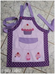 Cute kids apron idea.