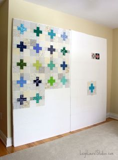 How to Make a Semi-portable Design Wall Tutorial for how to make a semi-portable design wall.Tutorial for how to make a semi-portable design wall. Sewing Room Design, Sewing Room Storage, Sewing Spaces, Sewing Room Organization, Fabric Storage, Sewing Rooms, Sewing Studio, Organizing, Quilt Design Wall