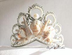 Items similar to Mermaid crown - Seashell crown - wedding crown - bridal tiara - Wedding tiara - Beach wedding - Mermaid tiara - seashell headband - wedding on Etsy Seashell Crown, Seashell Jewelry, Mermaid Shell, Mermaid Crown, Wedding Headband, Bridal Tiara, Mermaid Headpiece, Shell Crowns, Woman Costumes