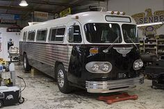 1961 Flxible Starliner - Jay Leno's Garage This bus has a Mesabi radiator from L!
