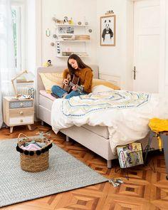 NORA Nachttisch Toddler Bed, Bb, Furniture, Home Decor, Nightstand, Clouds, Bedroom, Eyewear, Child Bed
