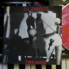 "DJ ZARDOZ - BRING LIFE TO THE DEAD (Early Trax) From the DJ ZARDOZ double-album ""TWEAKER""."