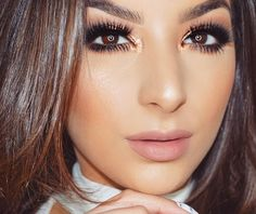 @anastasiabeverlyhills Eyeshadows in Burnt Orange/Blazing/Beauty Mark/Dark Chocolate Shimmer  @tartecosmetics so fine liner & #tarteist #lashpaint mascara  @vegas_nay lashes in Grand Glamour #vegasnaylashes  @tartecosmetics confidence creamy powder foundation  @anastasiabeverlyhills #glowkit that glow  @kyliecosmetics Candy K Lip Kit #kyliecosmetics by giannafiorenze