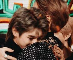 © jaeyong jaehyun fallin in love with his step son . Nct Taeyong, Winwin, I Love My Dad, Jung Jaehyun, Kids Wallpaper, Wattpad, Boyxboy, Chanbaek, Best Couple