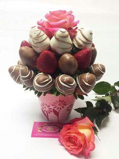 Edible Fruit Arrangements, Edible Bouquets, Chocolate Diy, Valentine Chocolate, Chocolate Bouquet Diy, Valentine Bouquet, Valentines Diy, Cakepops, Fruit Creations