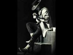 Listen to music from Stevie Ray Vaughan like Pride And Joy, Little Wing & more. Find the latest tracks, albums, and images from Stevie Ray Vaughan. Stevie Ray Vaughan, I Love Music, Music Is Life, Good Music, Soul Jazz, Jazz Blues, Blues Music, Jimi Hendrix, Hard Rock