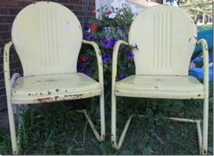 These chairs would be perfect on my front porch