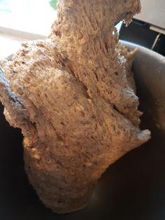 Hverdags grovbrød – Fru Haaland Afternoon Tea, Food And Drink, Desserts, Oreos, Horn, Cookies, Coffee, Bread Baking, Syrup