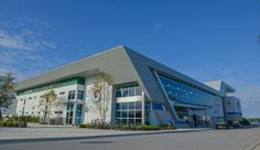 This fall, the Gatorade Sports Science Institute opened a new satellite space within the IMG Performance and Sports Science Center in Bradenton, Fla. Img Academy, Multi Story Building, Science, Mansions, House Styles, Lab, Home, Sports, Hs Sports