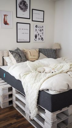 Inspiration: My new bedroom - Nail Polish Ideas Cute Bedroom Ideas, Bedroom Inspiration, Apartment Hacks, Cozy Room, Bedroom Styles, New Room, Dream Bedroom, Girl Room, Home Projects