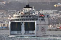 Naviera Armas - Barcos en Gran Canaria . Canary Islands . Spain  Http://www.kokilin.com