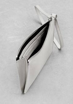 leather handbags and purses Leather Clutch, Leather Handbags, Leather Purses, Women's Handbags, Trendy Handbags, Sac Vanessa Bruno, Minimalist Bag, Small Leather Goods, Soft Leather