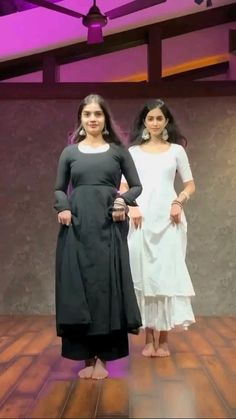 Wedding Dance Video, Indian Wedding Video, Hip Hop Dance Videos, Dance Choreography Videos, Dance Tips, Dance Poses, Dress Indian Style, Indian Fashion Dresses, Beautiful Girl Dance