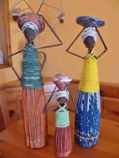 Arts And Crafts Beads Wine Bottle Crafts, Diy Bottle, Bottle Art, Recycled Crafts, Diy And Crafts, Paper Dolls, Art Dolls, Afrique Art, African Dolls