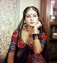 रति अग्निहोत्री Bollywood Girls, Vintage Bollywood, Indian Bollywood, Bollywood Stars, Bollywood Heroine, Bollywood Actress, Hindi Actress, Indian Celebrities, Bollywood Celebrities