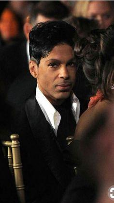 Prince ~ that look  OMG!