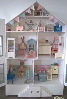 Maileg...mooi! (Cute Rabbit Houses)